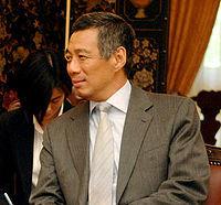 200px-Lee_Hsien_Loong,_June_3,_2006.jpg